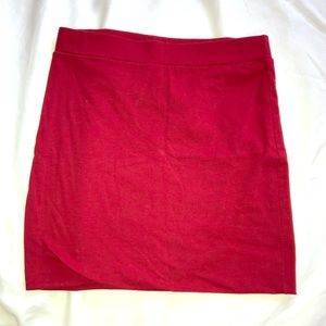 RED BODY CON SKIRT by Forever21